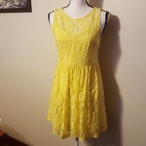 🎈LAST CHANCE🎈Forever 21 Yellow lace dress medium